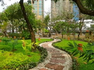 Lumpini Park walking path.